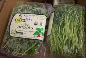 Jonathans Organic Pea Shoots