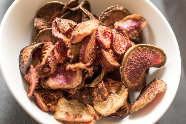 beet_radish_chips_4_plated_ 02_600px