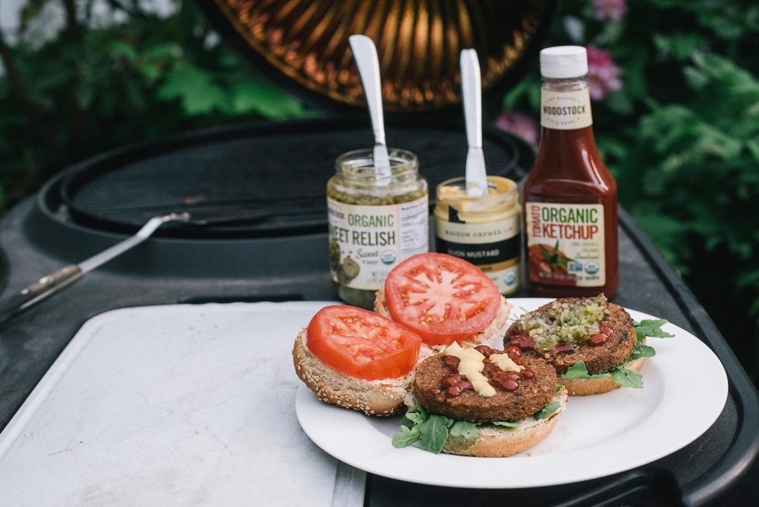 burger_ketchup_mustard_relish1_1080px.jpg