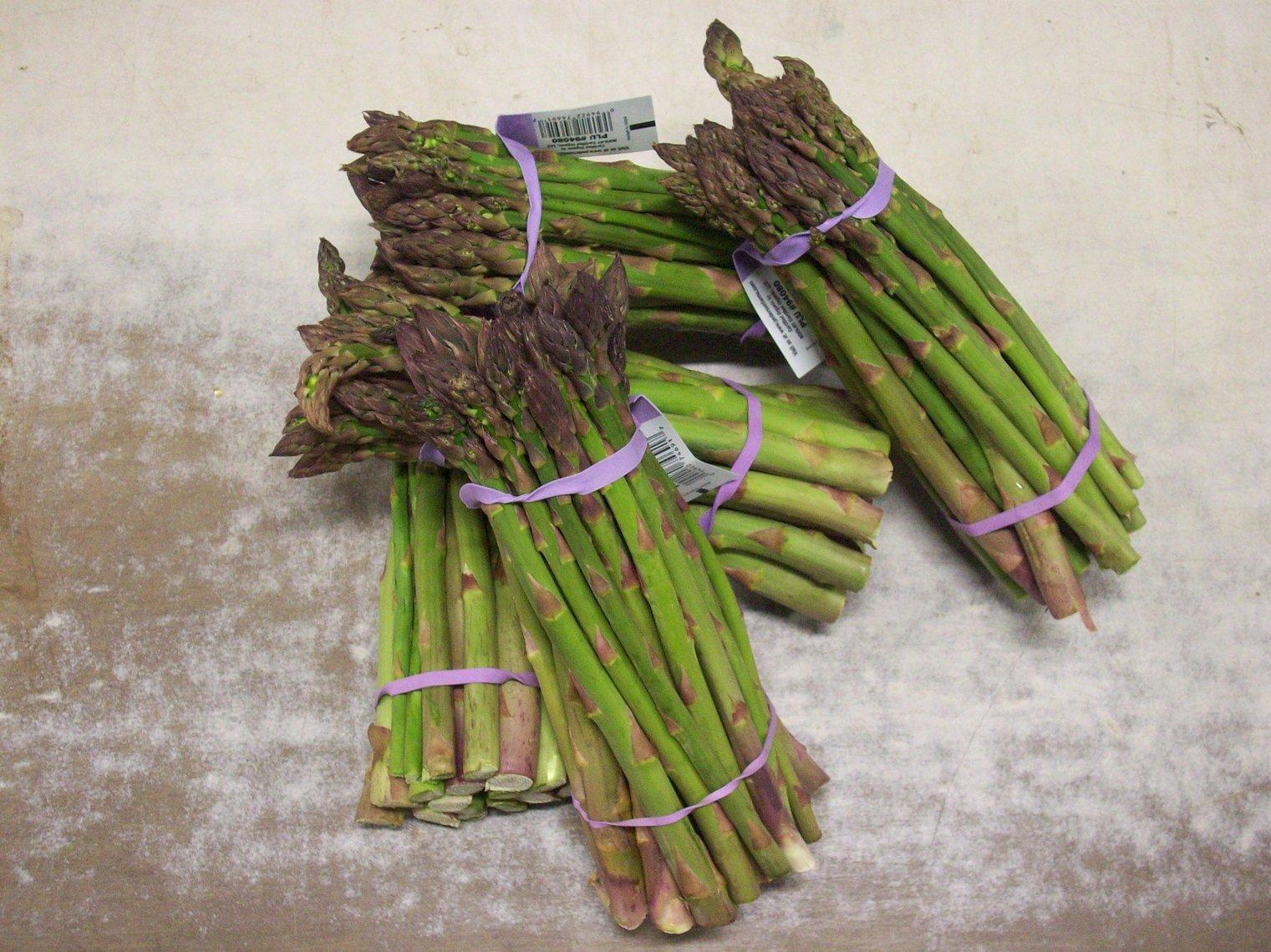 asparagus_bunches_3050px.jpg