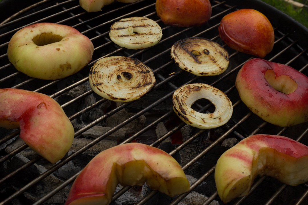 Boston Organics - Grilled Peaches and Onions