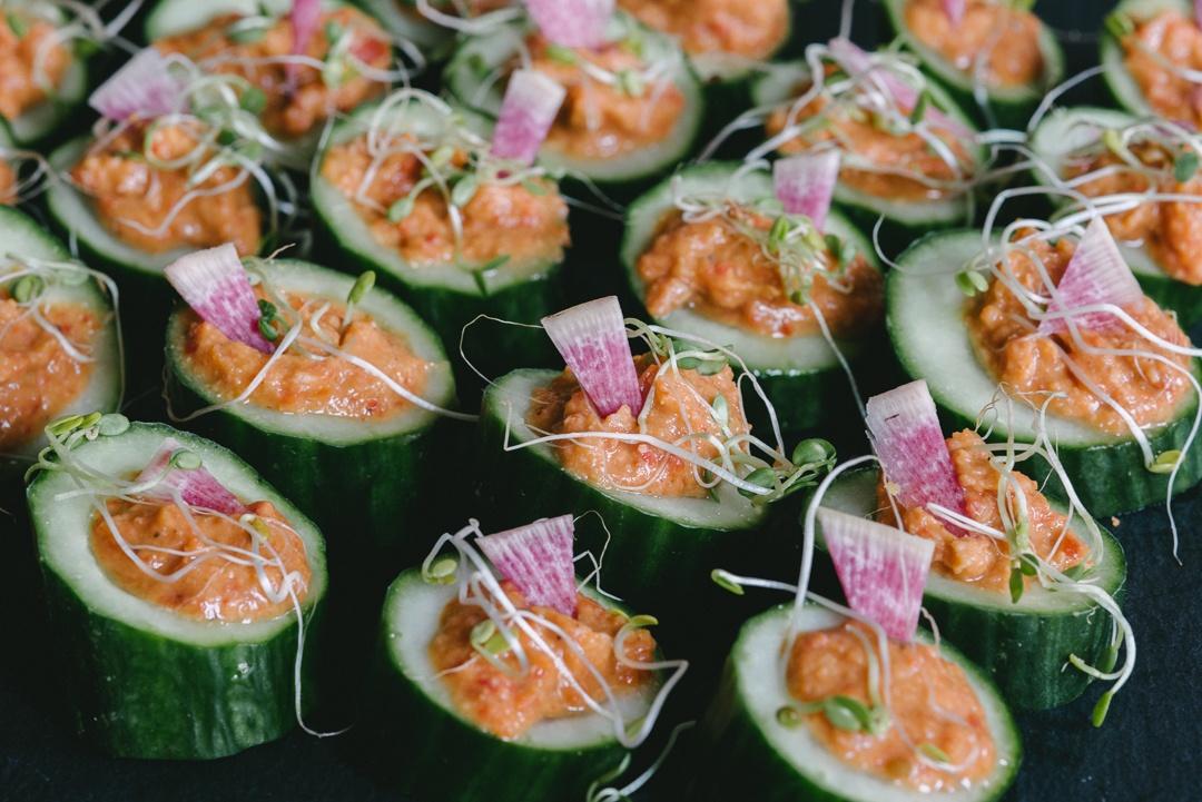 Boston Organics - Red Pepper Hummus in Cucumber Cups