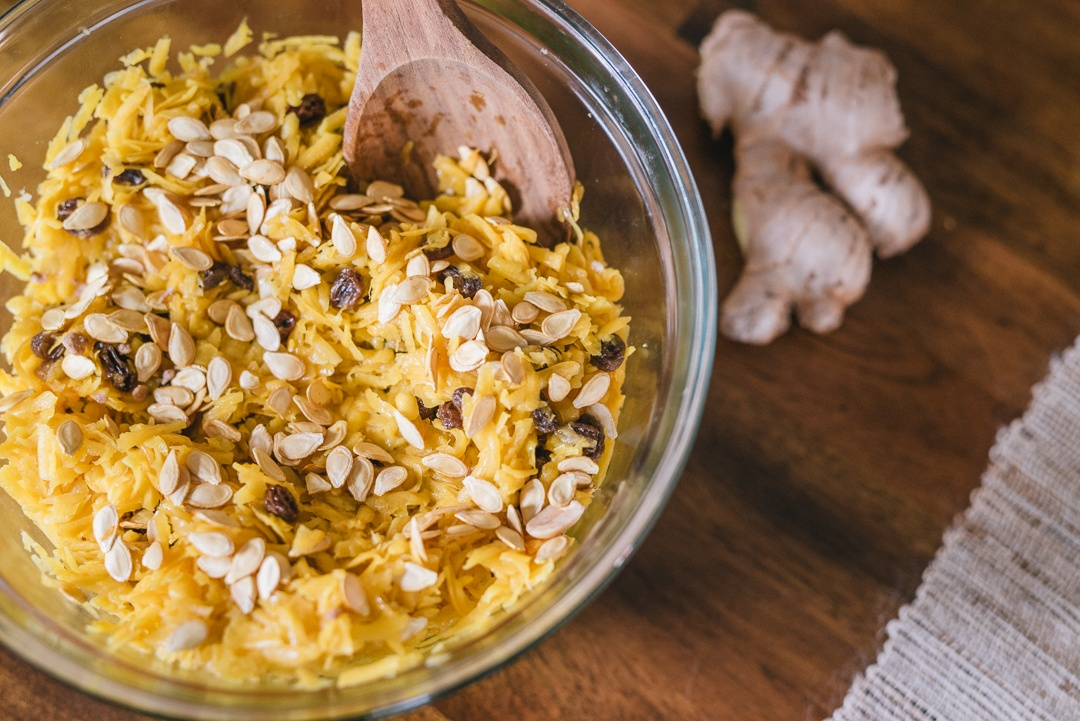 butternut_squash_ginger_raisin_salad_3_mix_ingredients3_1080px