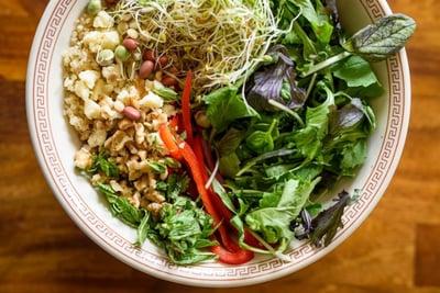 quinoa_sprouts_greens_salad_2_mix1_600px