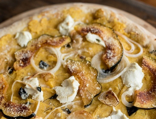 GOAT-CHEESE-CARAMELIZED-ONION-WINTER-SQUASH-PIZZA-1