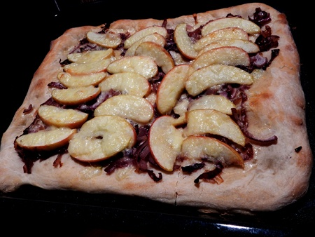 apple-cheddar-maple-pizza-the-vermonter