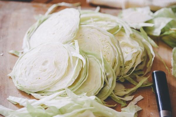 sauerkraut_2_slicing_cabbage1_1080px